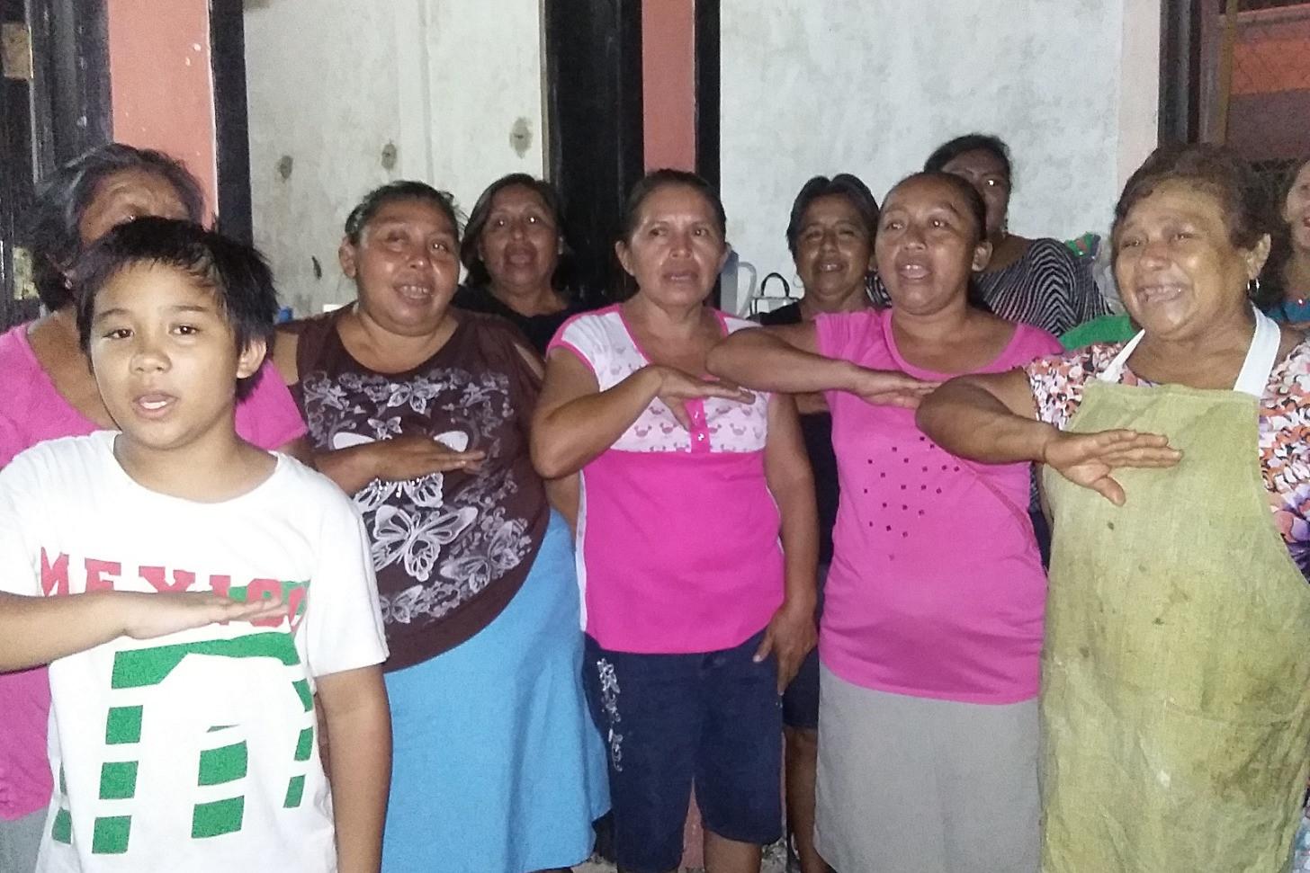 Natl himno con las hermanas_edited.jpg