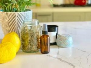 Eco-Friendly Cilantro-Stem Hair Rinse
