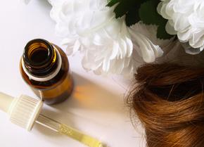 DIY Beauty Recipe: Simple Hair Oil