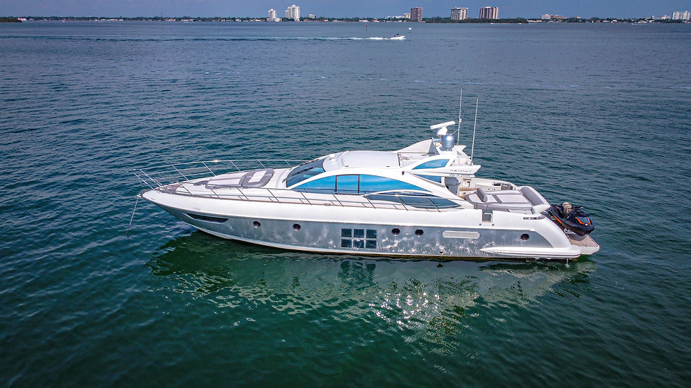 Azimut S 62ft Yacht in Miami