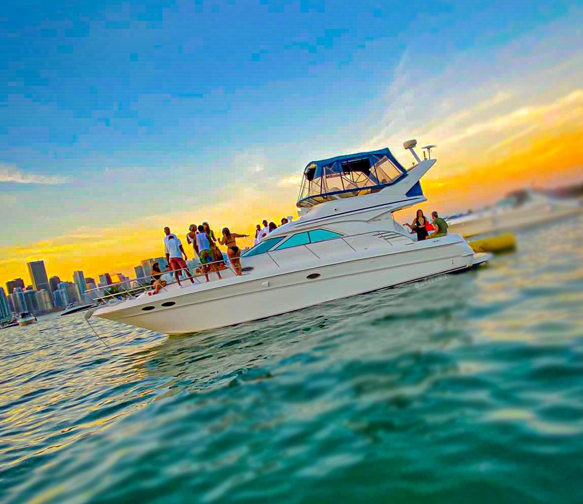 4/6/8hrs Sea Ray Sedan 44ft