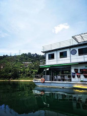 Dinner on the houseboat.JPG