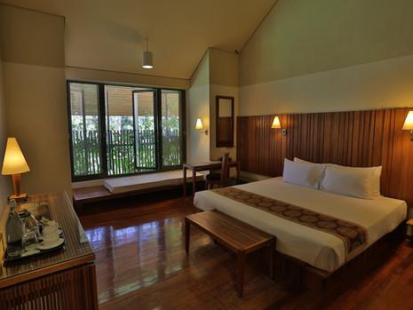 Azlanii Room