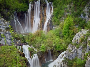 Great waterfall -  Plitvice Lakes