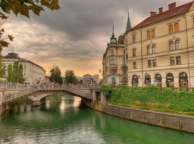 Private tour to Slovenia from Zagreb - L