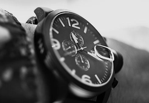 wrist-2254969_1920.jpg