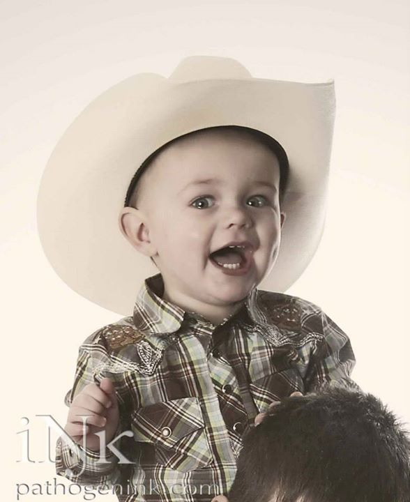 Just look at the dimple on that cowboy!
