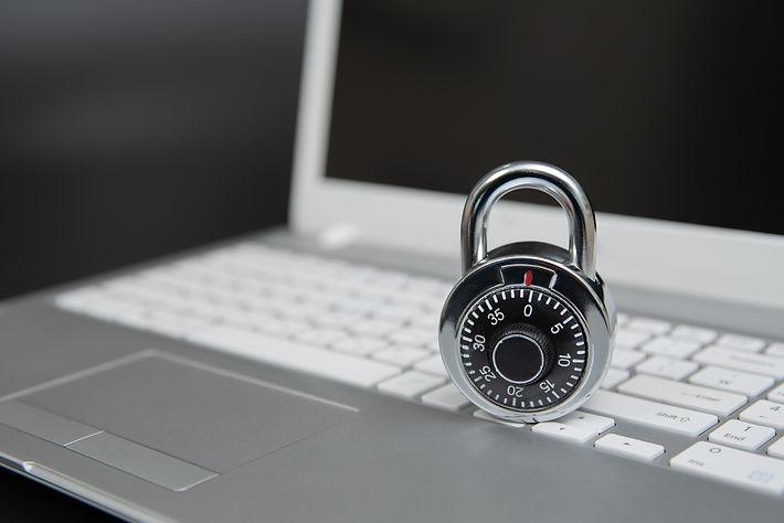 computer-security-concept-padlock-laptop