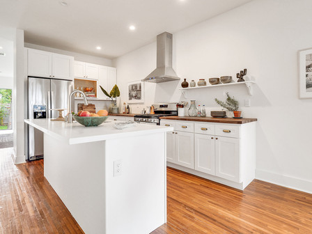 Kitchen 2929 Pine.jpg
