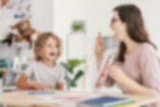 speech-therapist-teaching-letter-pronunc