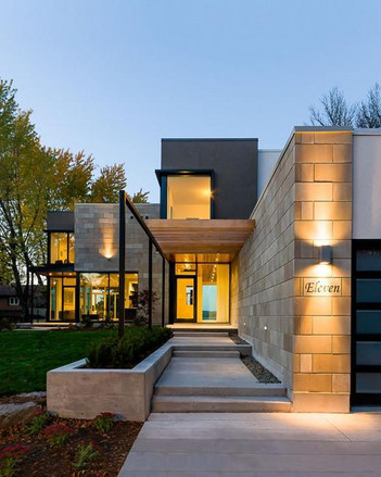 outdoor-lights-modern-house-curb-appeal-
