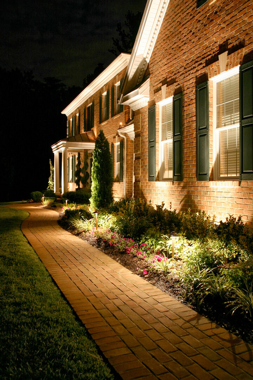 01-landscape-lighting-ideas-homebnc.jpg