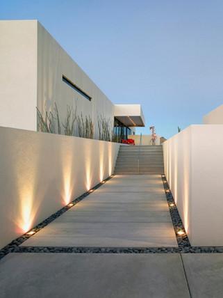Appealing-Custom-Look-for-Modern-Outdoor