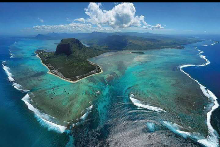 Le Morne Mauritius - Full spot overview.