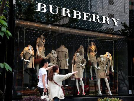 Entenda a psicologia por trás da razão das compras de luxo