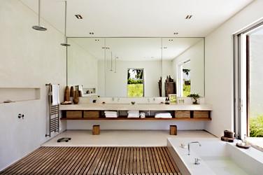 Mirrors in Beautiful Modern Bathroom