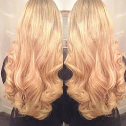 A gorgeous warm wavey blonde babe ♥️