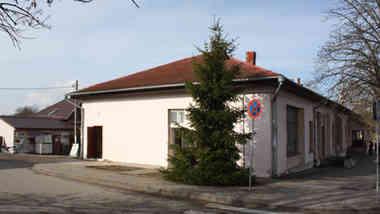Здание Центра воспитательной работы по ул. Ленина, д. 17 в г.п. Б. Берестовица Гродненской области