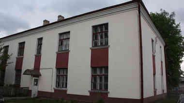 Здание общежития по ул. Мелиораторов, д. 5 в г. Скидель
