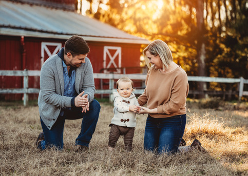 Red Barn Family Sessions