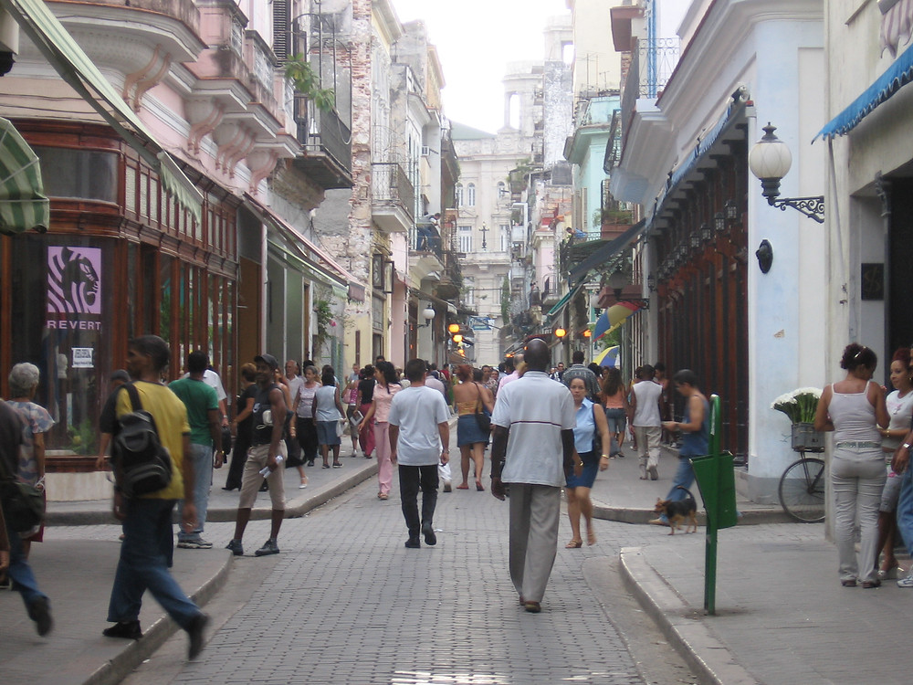 Calle Obispo Shopping in Old Havana