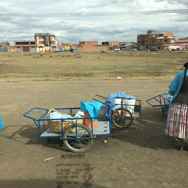 El Alto, way back from Tiwanaku