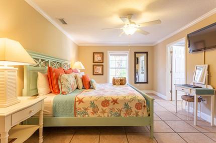 Villa Chez Shell Master Bedroom