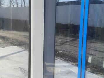 Краснодарский край.  Выселки. Устранение дефектов на алюминиевом профиле  автоматических дверей.