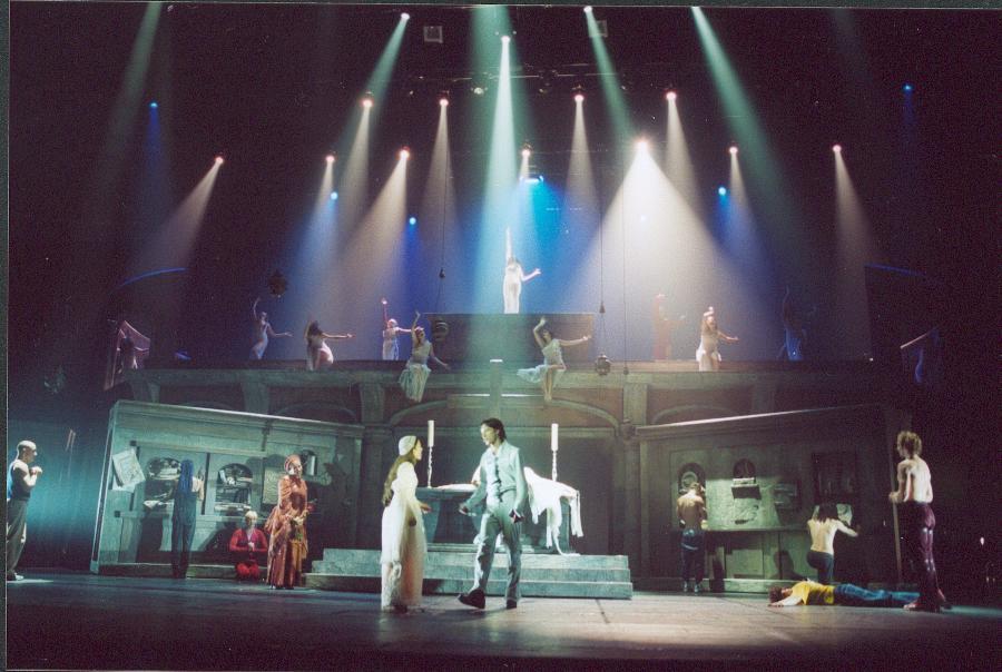 Romeo & Julia      Music Hall