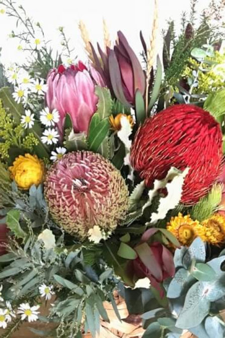 Australian Florals & Honey Scented Candle