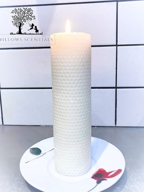 Hand rolled honeycomb Beeswax Candle (20cm x 5.5)
