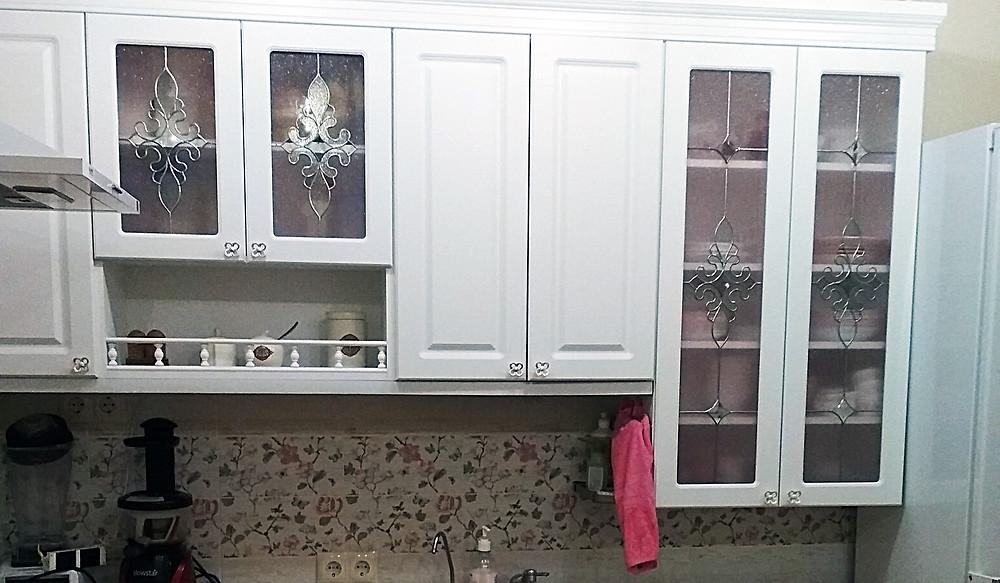 Кухня с витражами