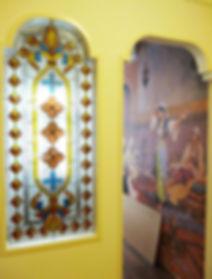 Витраж в арабском стиле для кальянной комнаты