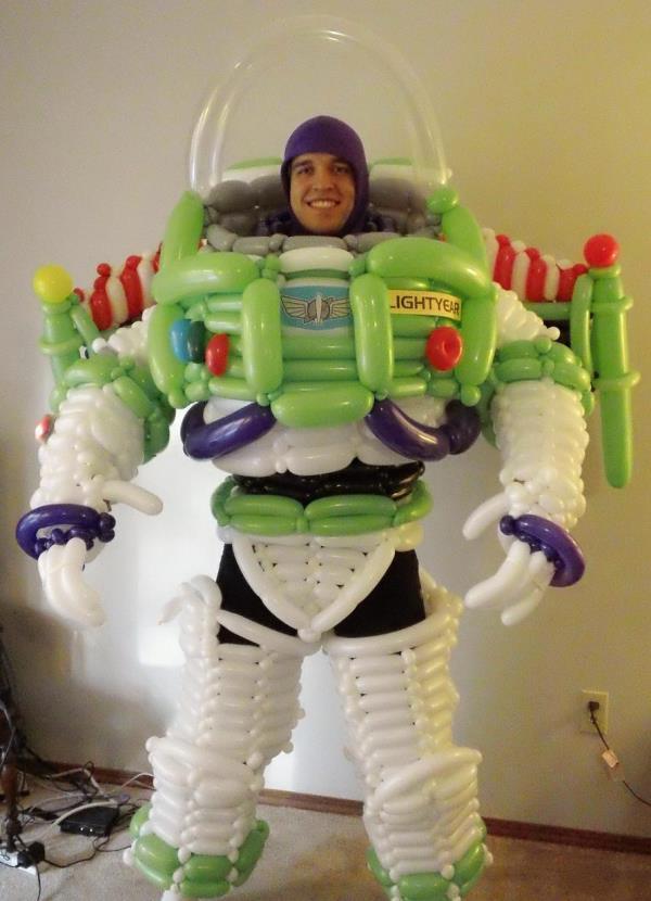 halloween-costume-buzz-lightyear