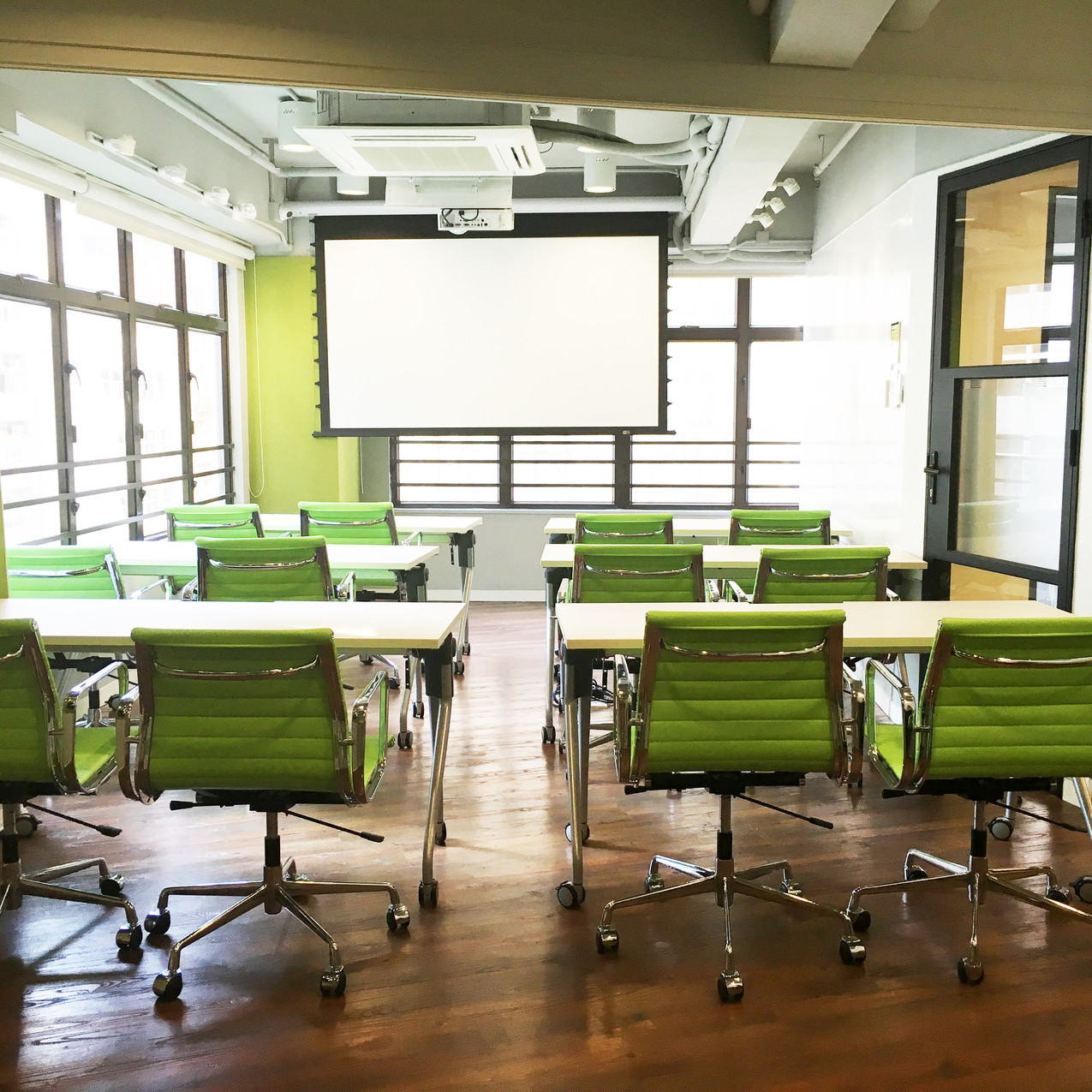 Pic 10 - Meeting room