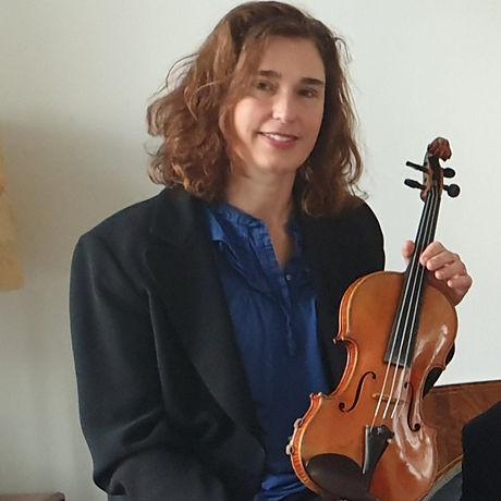 Esti violin foto.jpg
