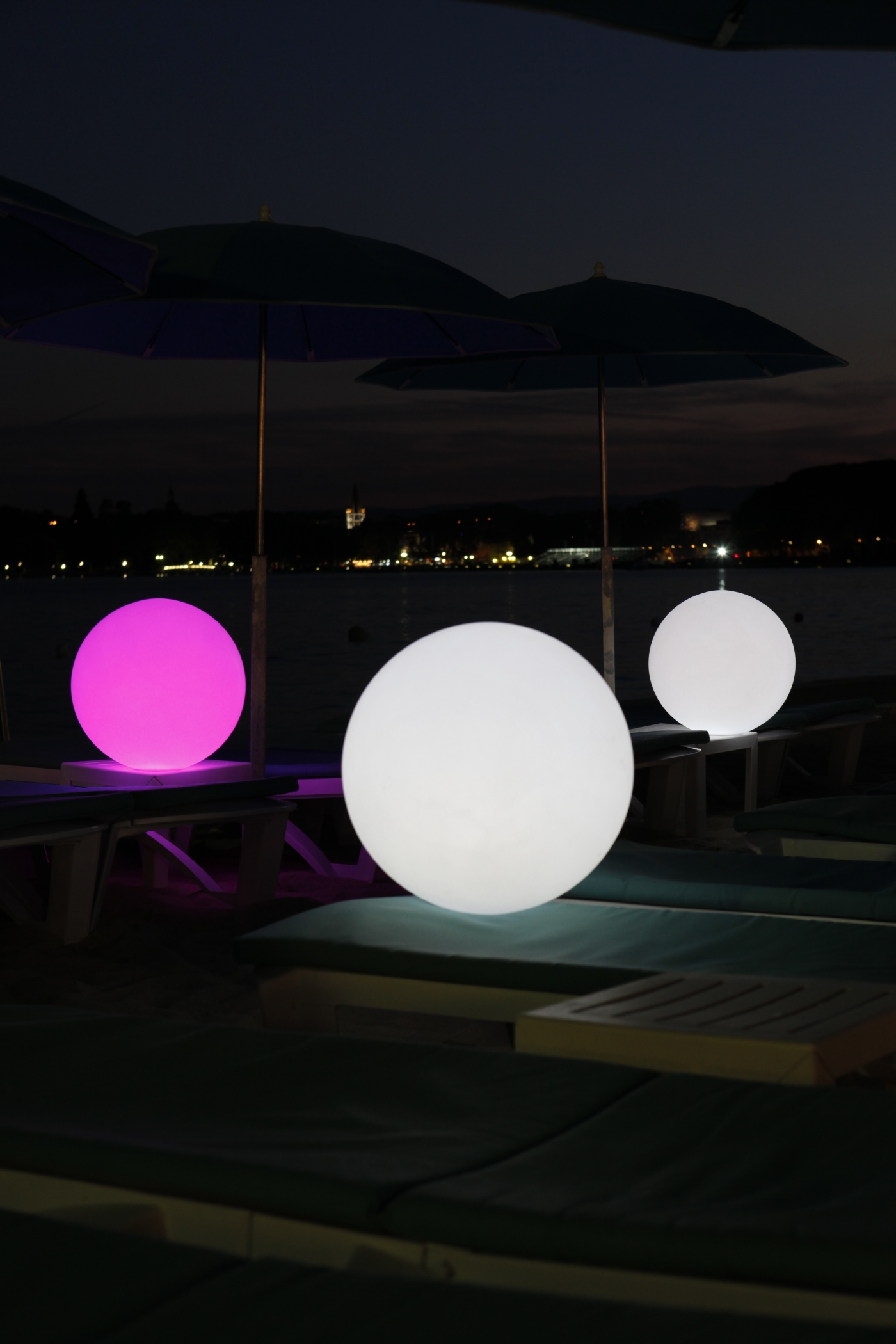 BALL-GLOBE-PEARL LED Lampe Smart & Green bei VAN VUGHT Interiors in Berlin & Glienicke