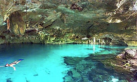cenote_azul01.jpg