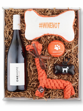 OHW_Gift-Box-Pinot-For-Paws-Woof-Vintner
