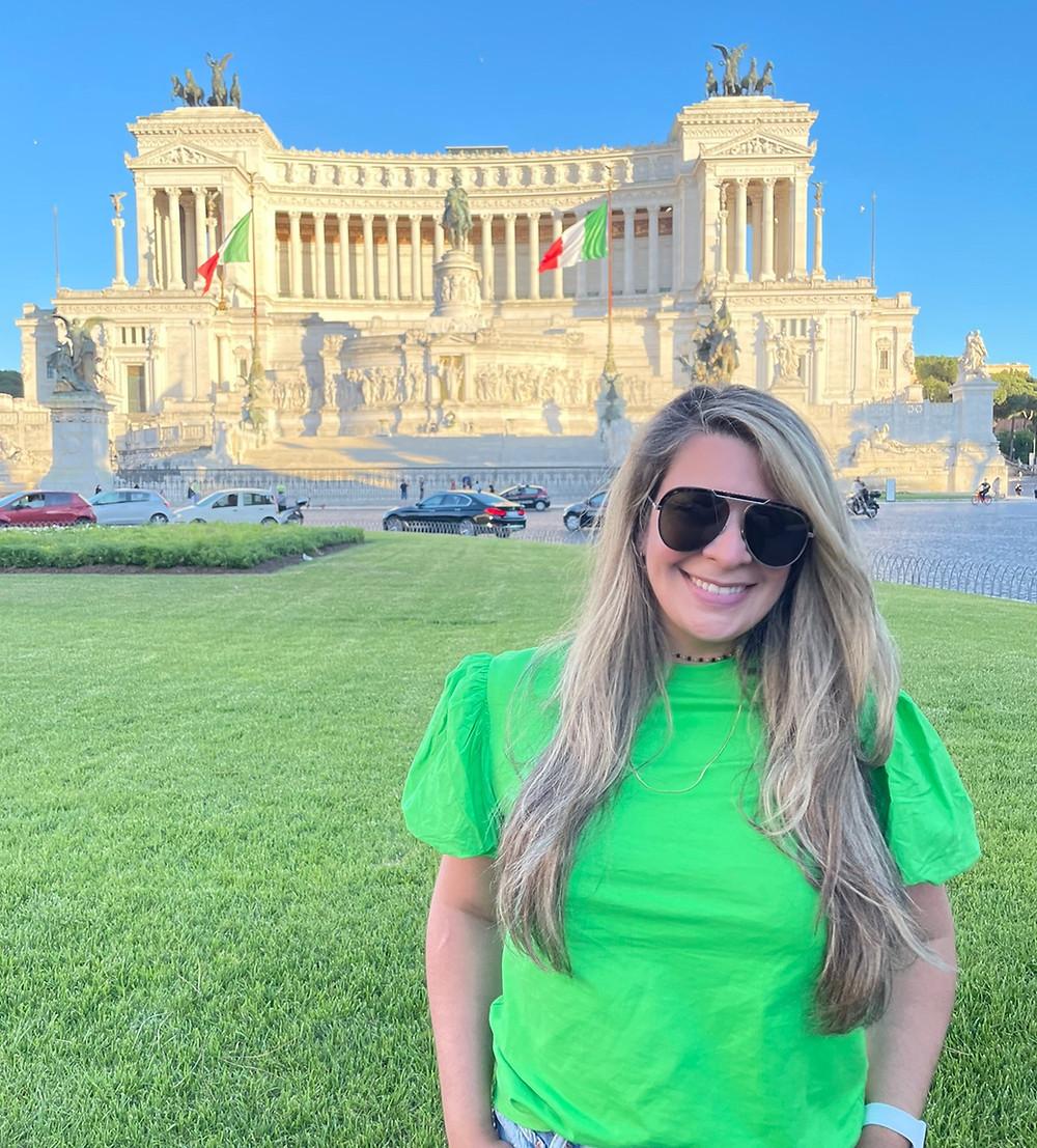Visitando la Piazza Venezia en Roma, Italia.