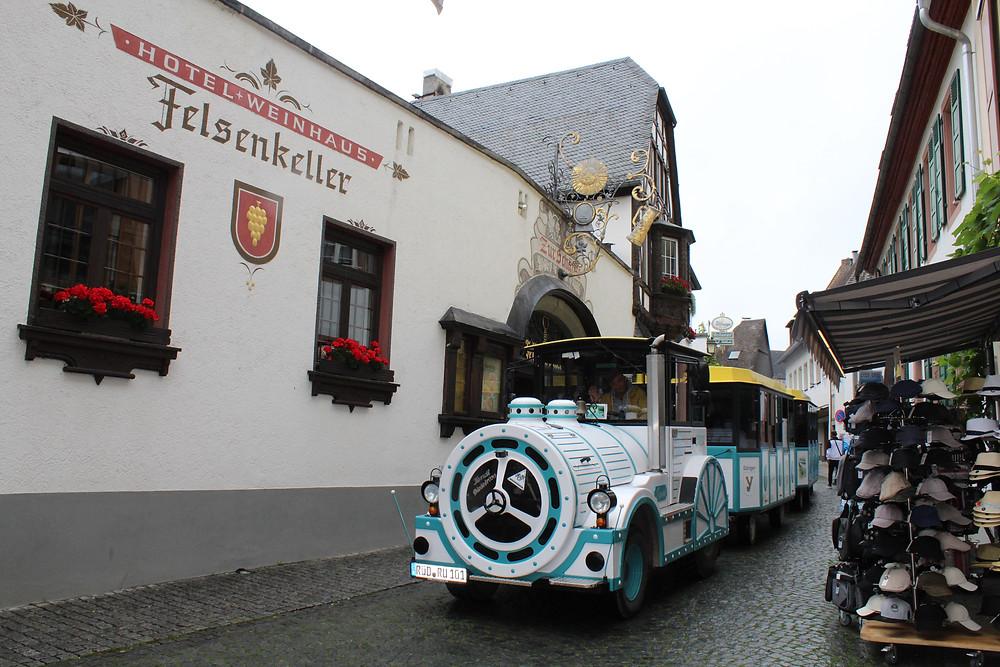 El pueblito alemán Rüdesheim y sus hermosas calles angostas.