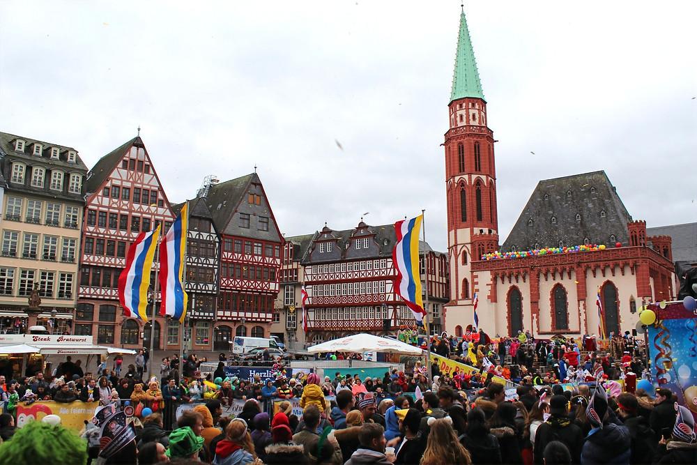 Festivales en la Plaza de Römerberg en Frankfurt, Alemania.