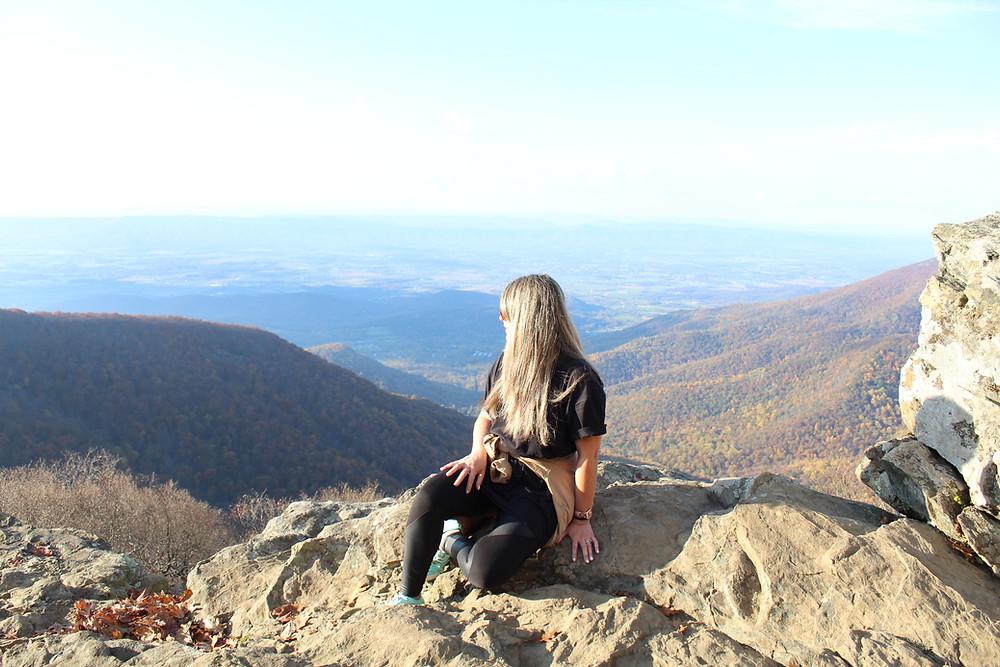 Explorando el Shenandoah National Park en Virginia durante el otoño.