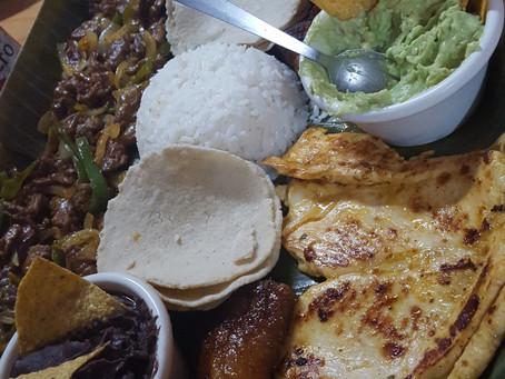 Entre casado, tamales y gallo pinto en Costa Rica