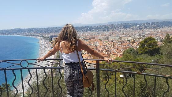 Lana visitando a Niza, Francia
