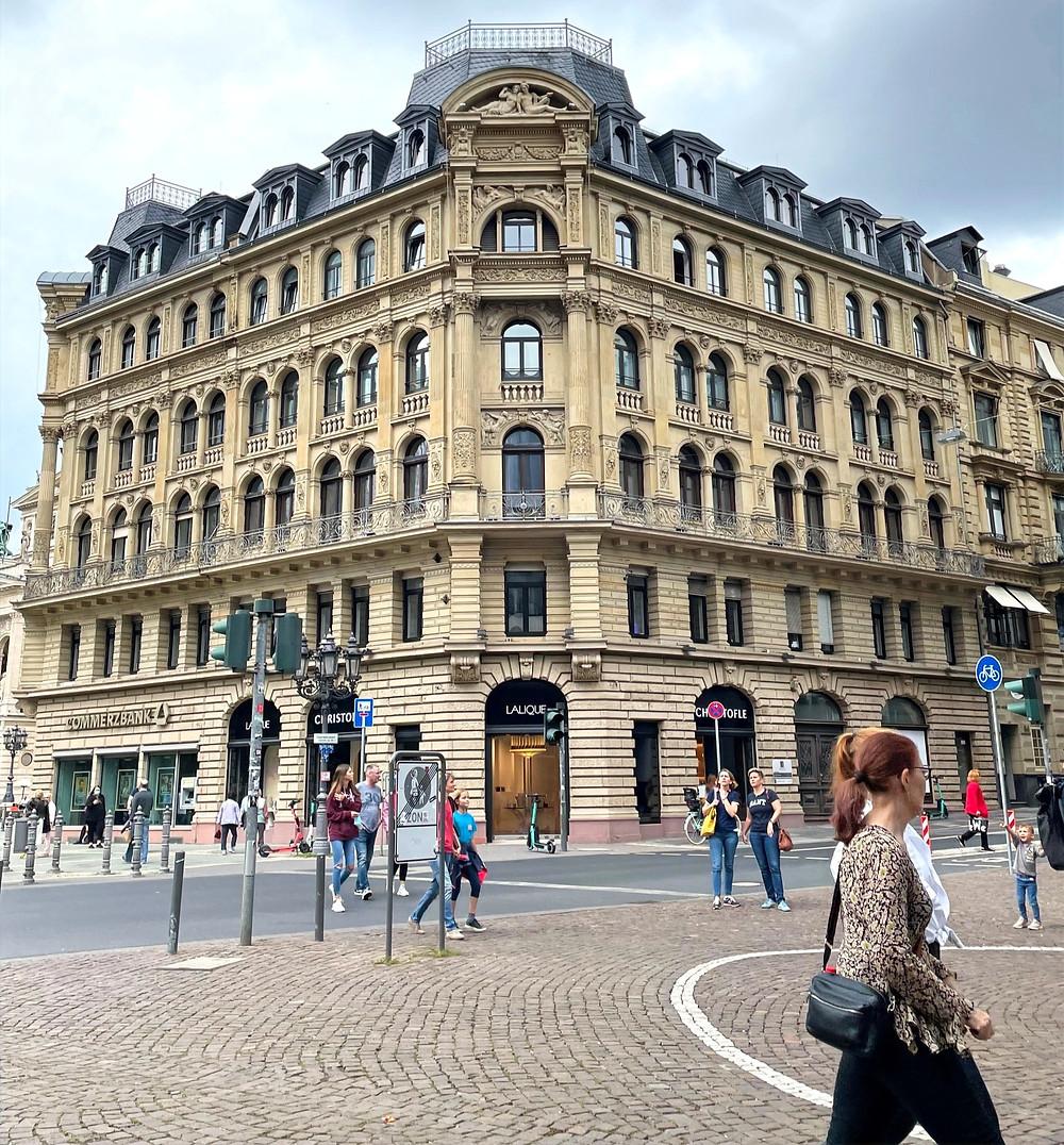 Calle Ziel, perfecta para disfrutar de un día de compras.