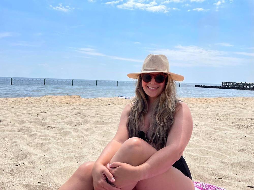 Disfrutando de la playa Breezy Point Beach & Campground en Virginia.