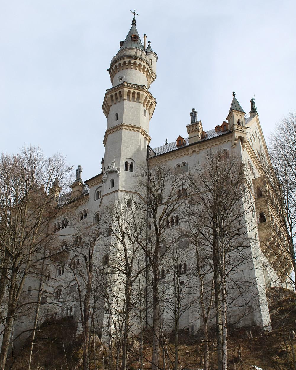 Descubre al castillo alemán Neuschwanstein en un día.