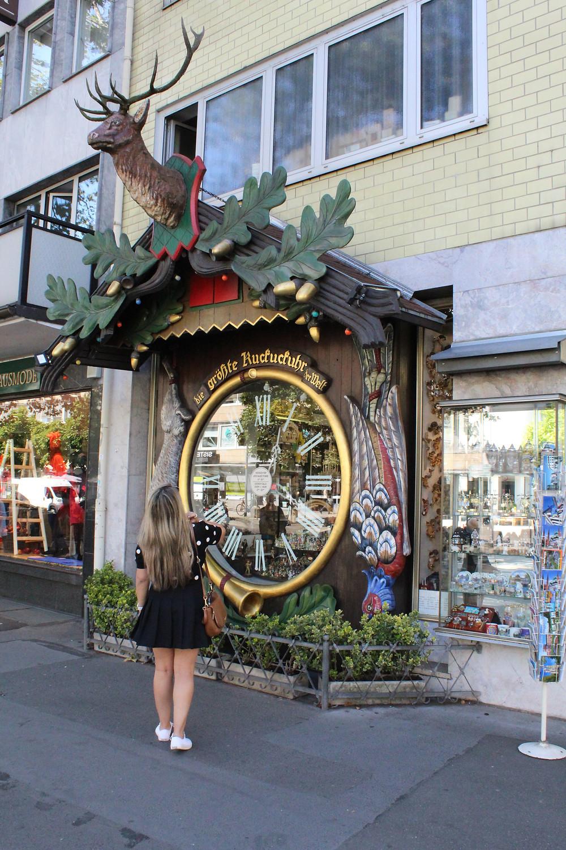 Tienda de relojes de cuco en Weisbaden, Alemania.