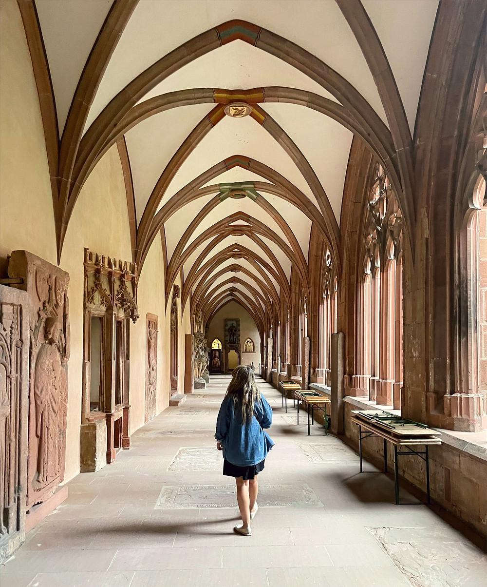Vista desde el patio interior de la catedral de Mainz.